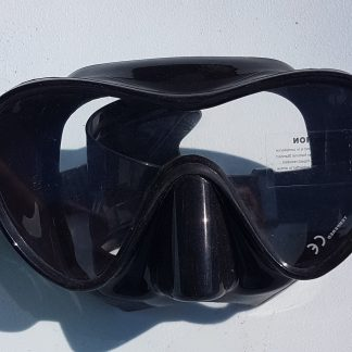 Typhoon dive mask